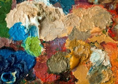 8939648-closeup-of-artists-palette-with-mixed-oil-paint